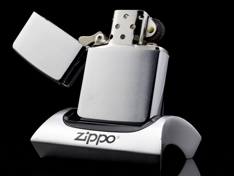 zippo-co-brushed-chrome-1960-6-cham-hang-chinh-hang-usa-uy-tin