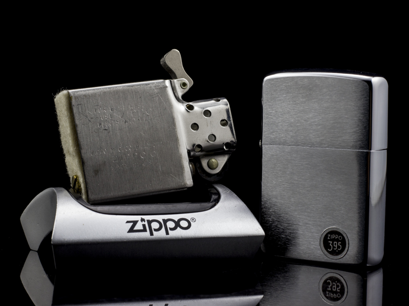 zippo-co-brushed-chrome-1970-4-gach-thang-chinh-hang-usa-doc-dao