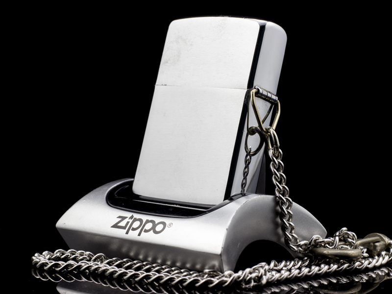 zippo-co-hooked-brushed-chrome-1-gach-1980-la