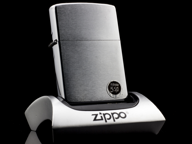 zippo-co-brushed-chrome-2-gach-1980-chinh-hang