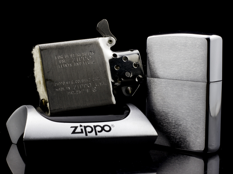 zippo-co-brushed-chrome-8-gach-1966-hang-chinh-hang-usa-my-hoa-ky-sang-trong-qui-phai