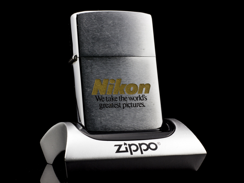 Zippo-co-brushed-chrome-nikon-8-gach-1092-chinh-hang