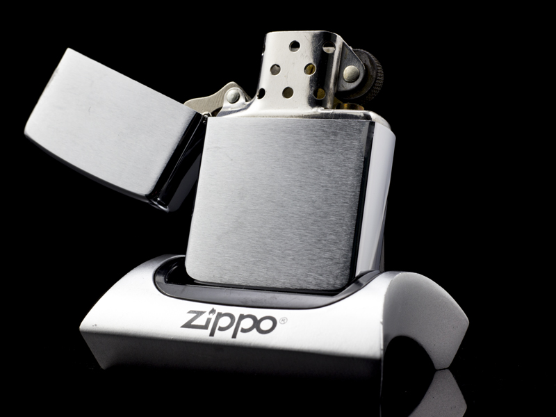 zippo-brushed-chrome-co-4-gach-1986-dep