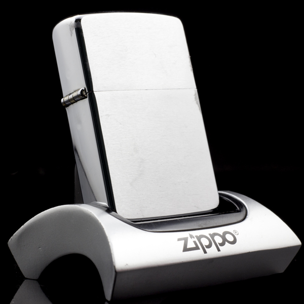 zippo-brushed-chrome-co-4-gach-1986-my