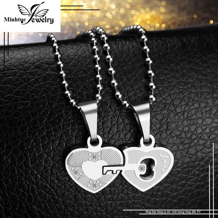 Mua trang sức đôi bằng bạc tại cửa hàng MTJ