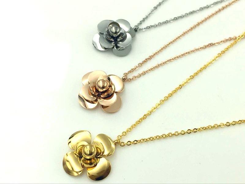 Dây chuyền titan hoa trà mạ vàng 24k - trang sức titan cao cấp