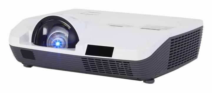 Máy chiếu Eiki LC-XAU210