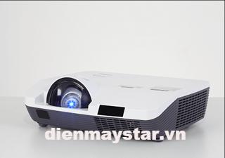 Máy chiếu EIKI LC-XAU200