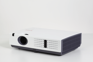 Máy chiếu EIKI LC-XNS3100