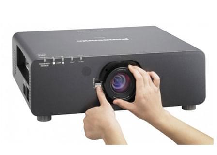 Máy chiếu Panasonic PT-DX810ES