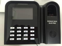 Máy chấm công vân tay Ronald Jack X628C Pro