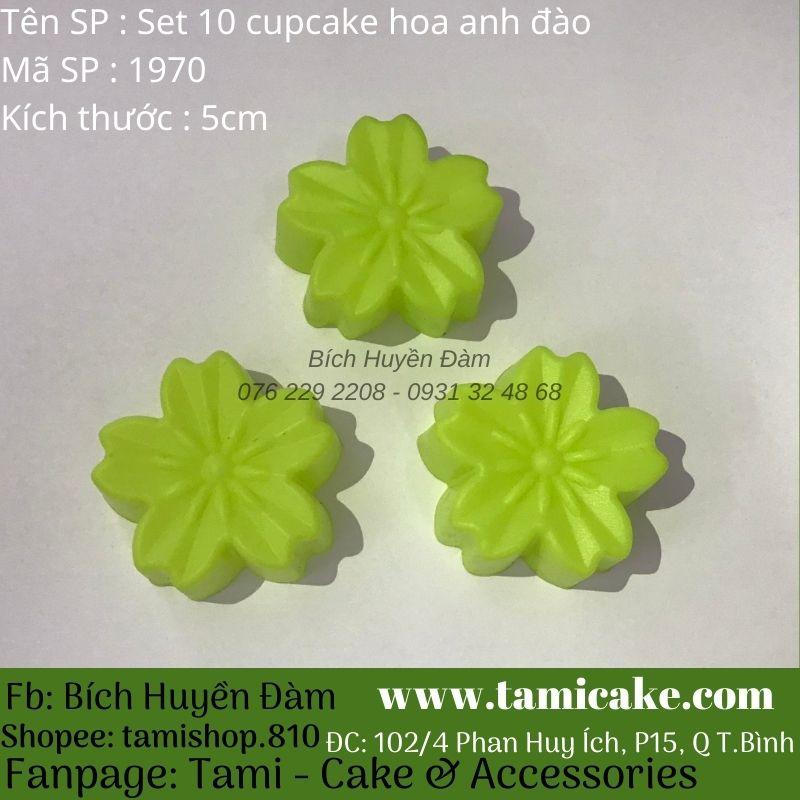 Set 10 khuôn silicon cupcake hoa anh đào (kích thước 5cm)