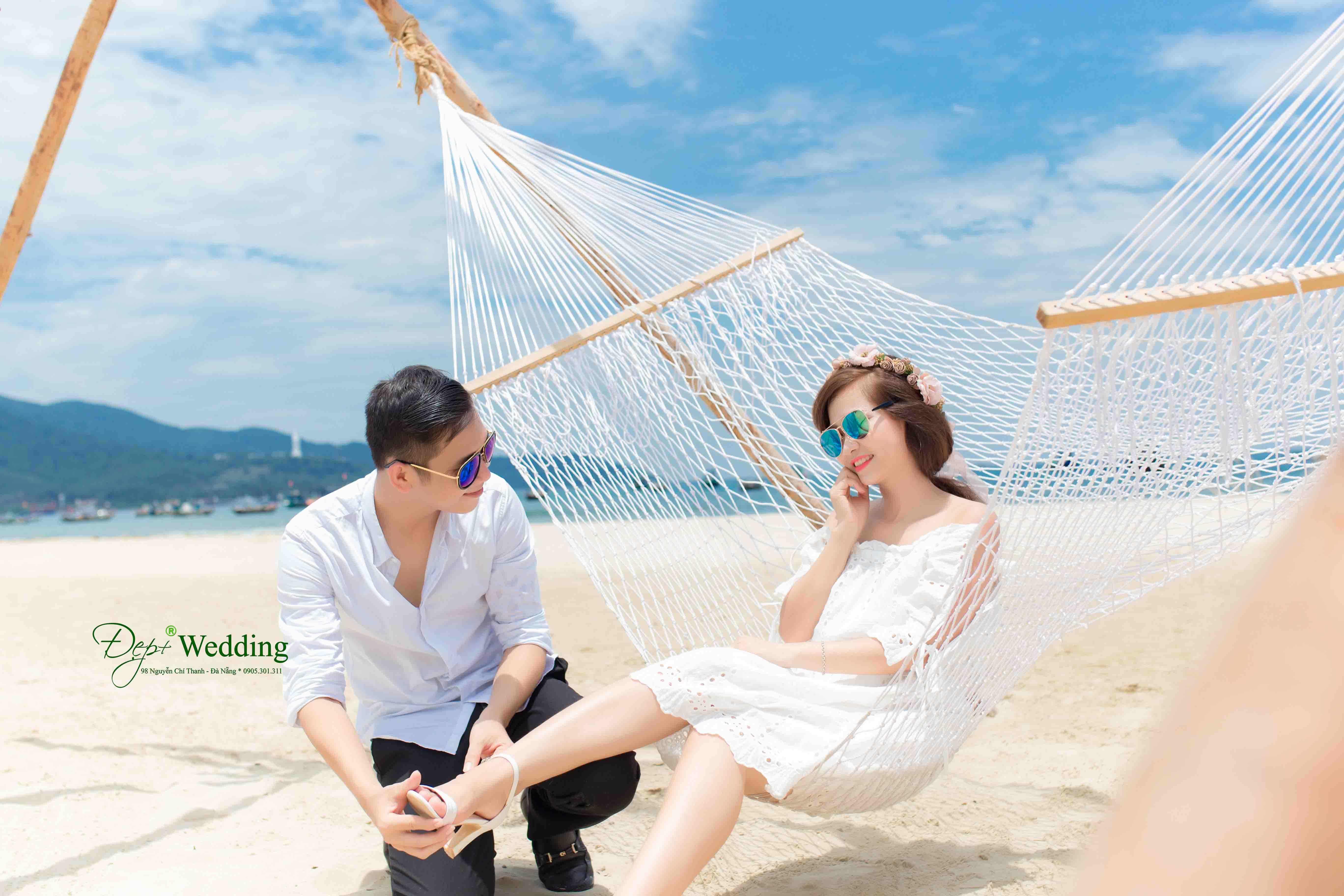 Dịch vụ chụp ảnh cưới Studio chỉ 10 phút đi xe là có thể tiếp cận biển Phạm Văn Đồng giúp khách hàng yên tâm thoải mái hơn, ...