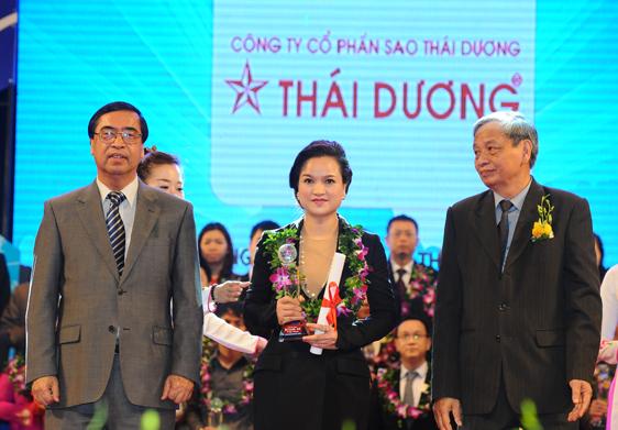 Sao Thái Dương nhận giải thưởng