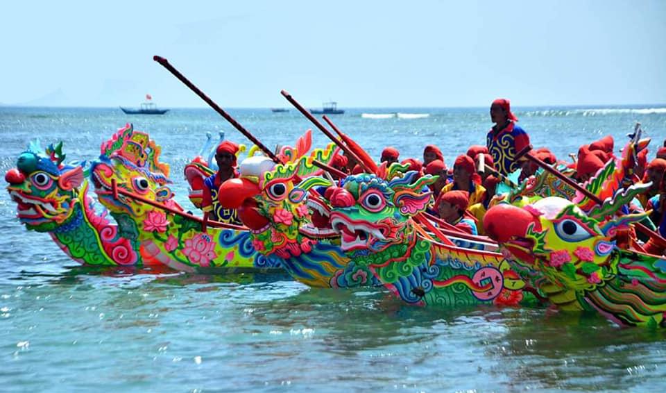 Du lịch TẾT NGUYÊN ĐÁN LÝ SƠN 3 ngày 2 đêm - Xem lễ hội đua thuyền