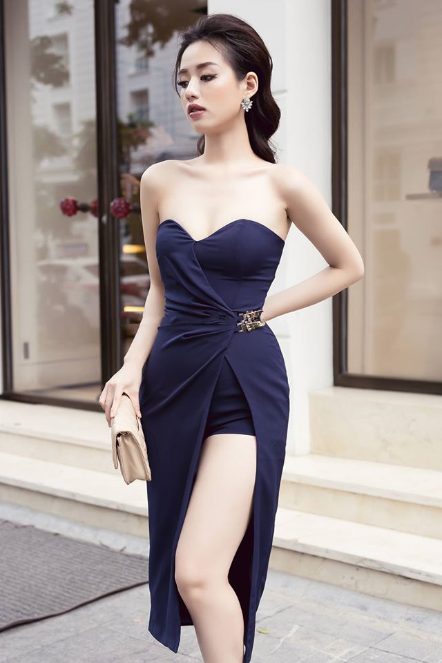 Jumpsuit ngắn thiết kế giả váy cúp ngực với kiểu dáng mới lạ