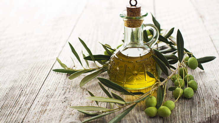 Cách dùng dầu oliu dưỡng da đơn giản nhưng vô cùng hiệu quả
