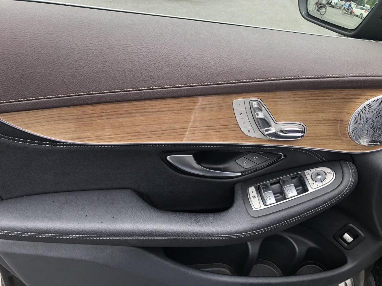 Mercedes GLC300 - sản xuất 2018