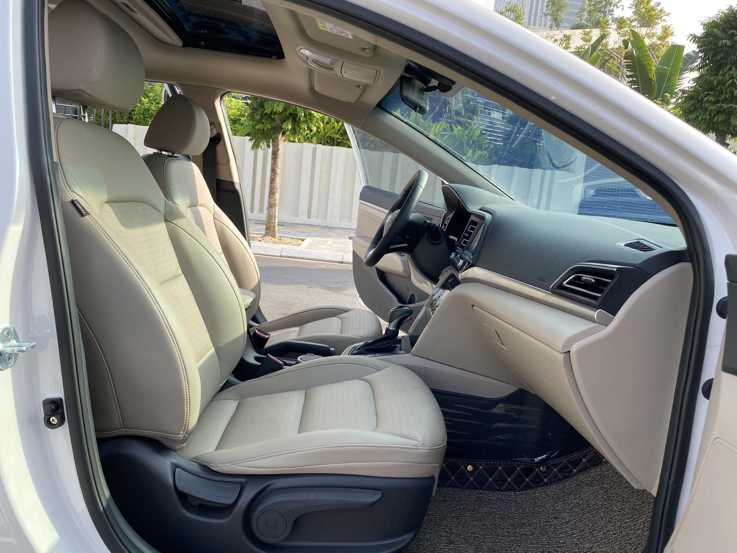 Hyundai Elantra 2.0AT Sx 2020