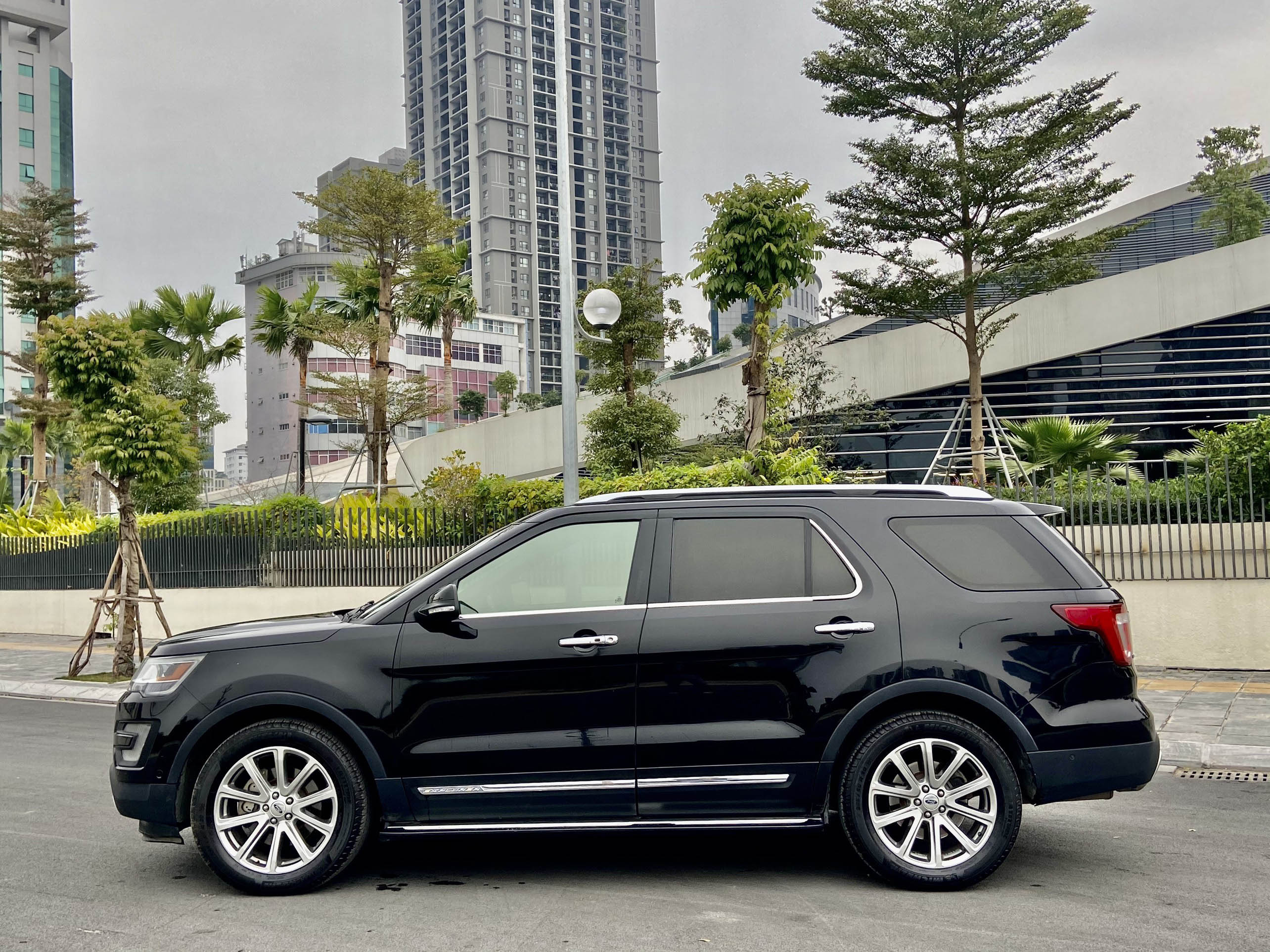 Ford Explorer Limited Sx 2016