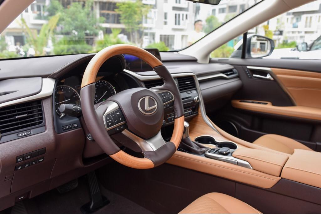 Lexus RX200t nhập Châu Âu