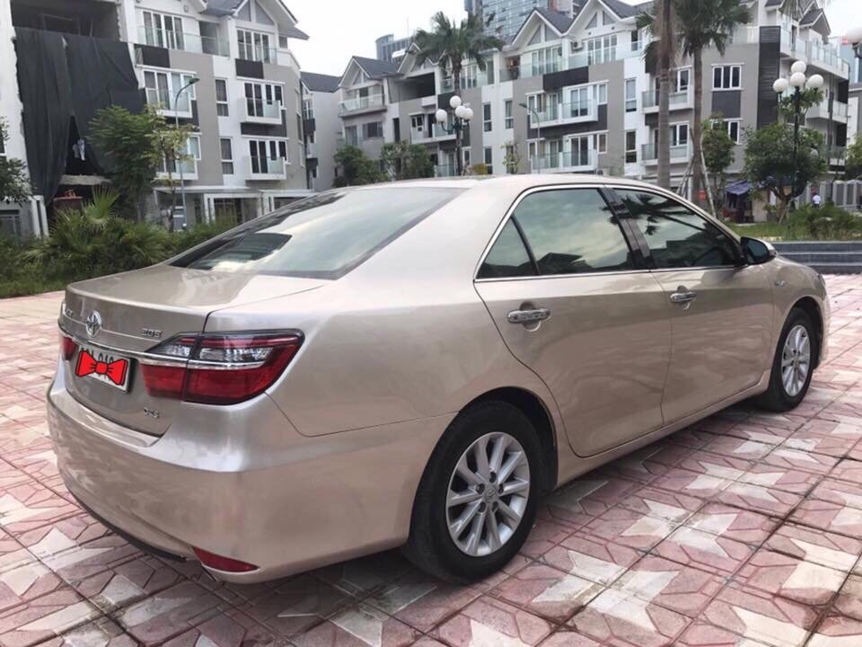 Toyota Camry 2.0E 2015 Vàng cát