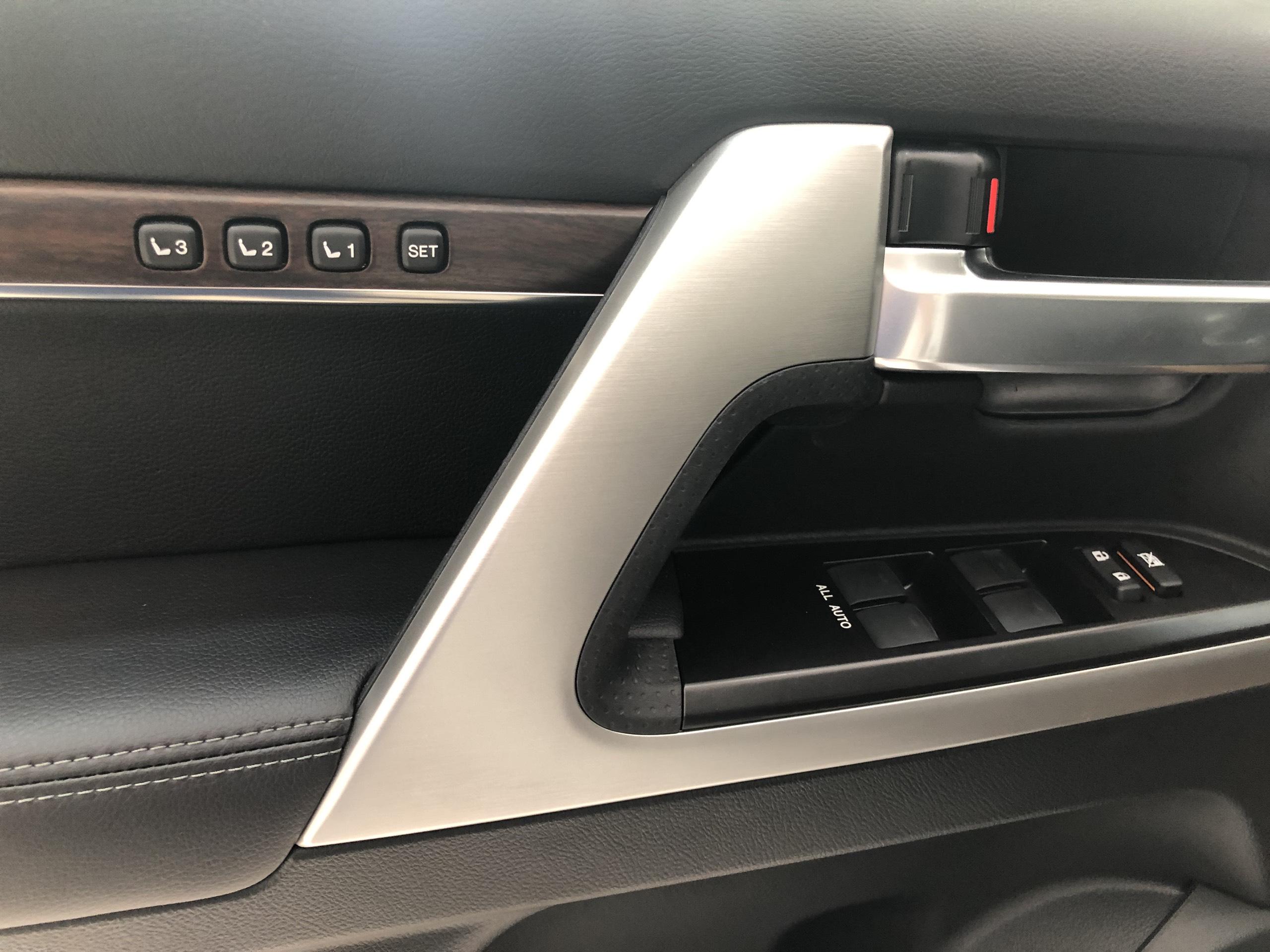 Land Cruiser VX 2019