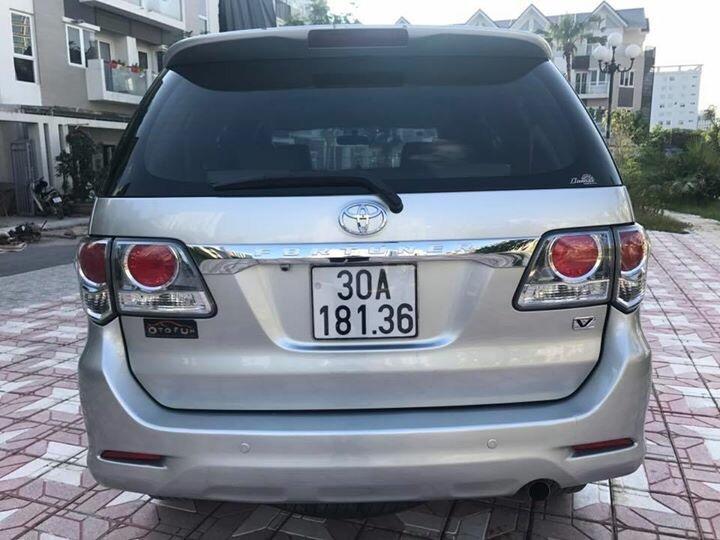 Toyota Fortuner 4x2 2014 màu Bạc