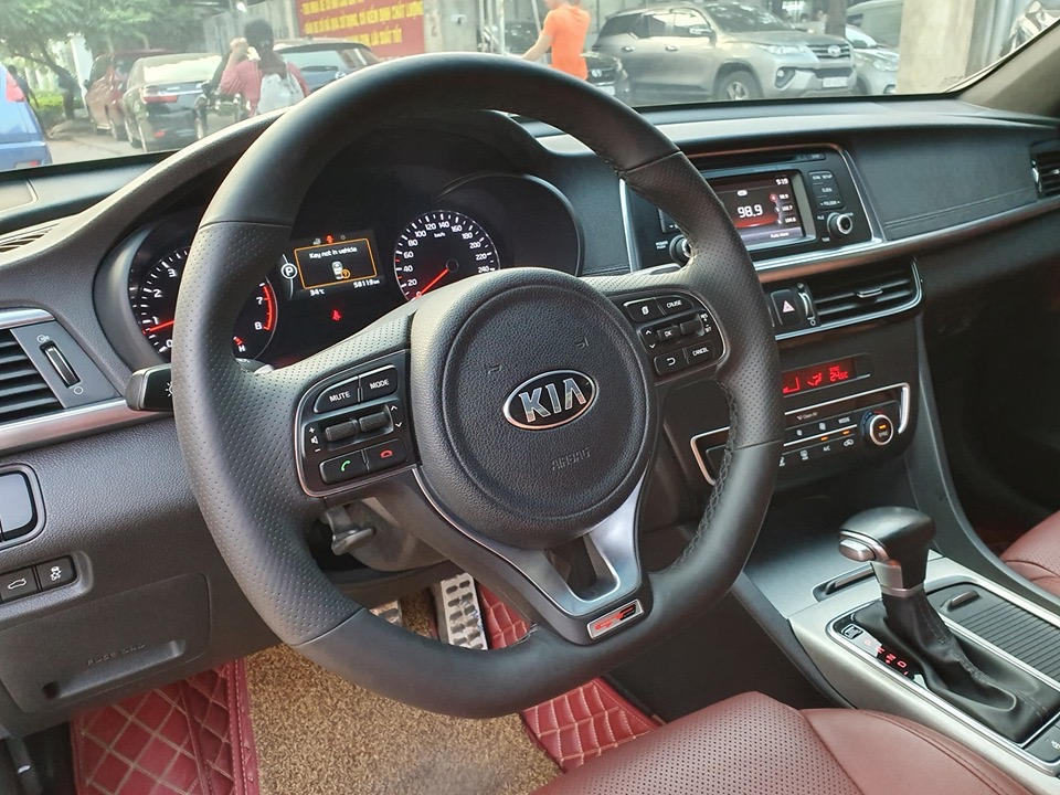 Kia Optima 2016 đen