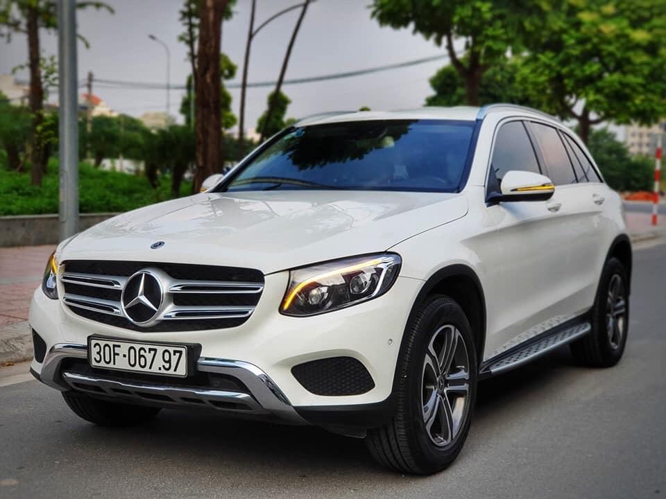 Mercedes Benz GLC250 2017 trắng/kem