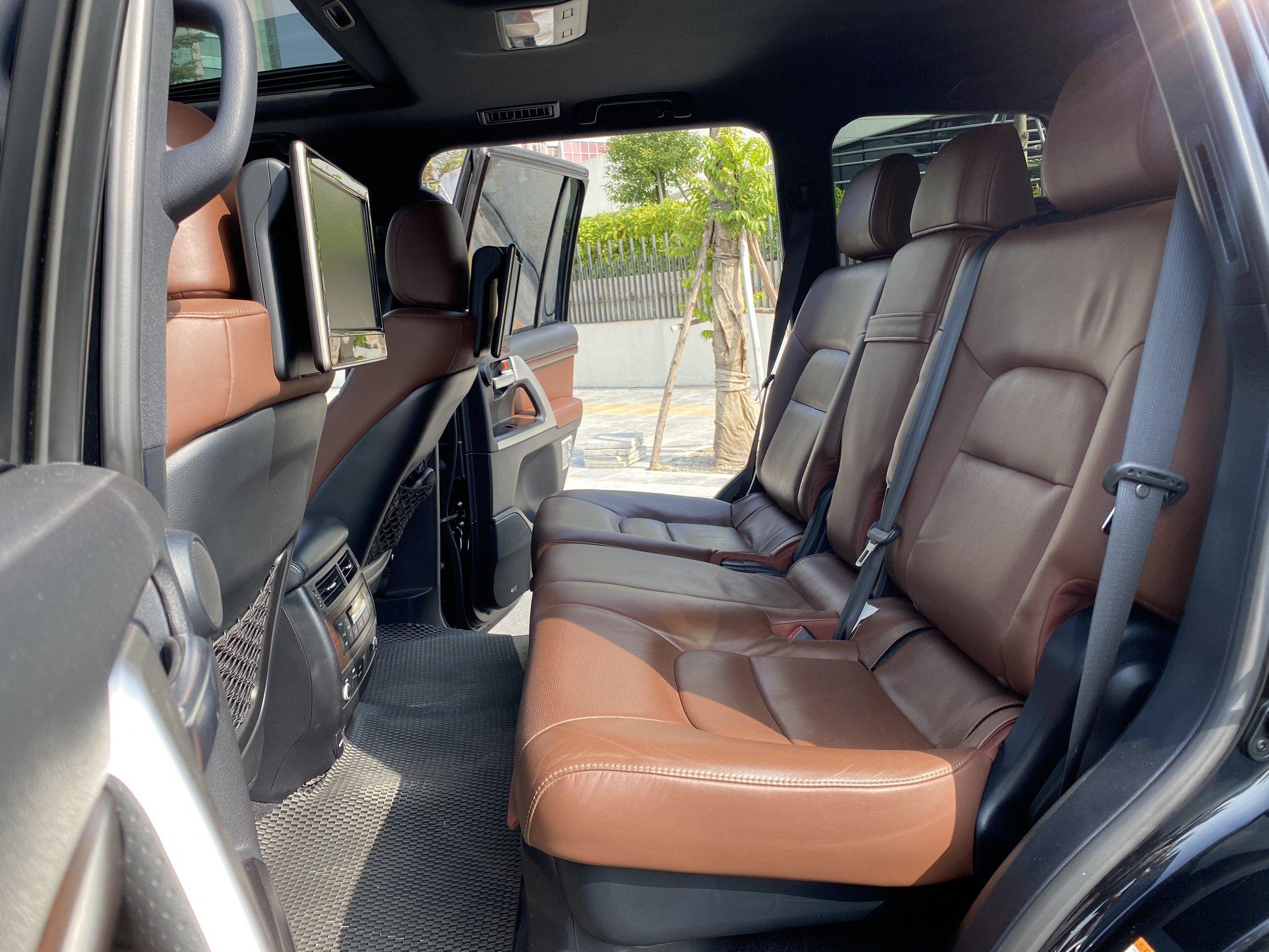 Toyota Land Cruiser 5.7 V8 sx 2015