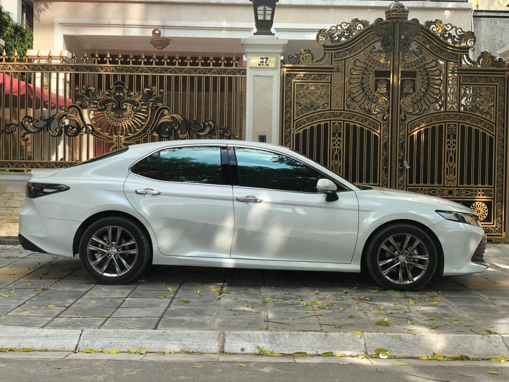 Toyota Camry 2.0G 2019
