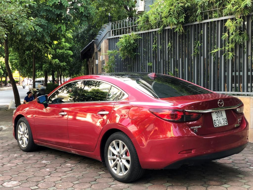 Mazda 6 2.0 đỏ 2015