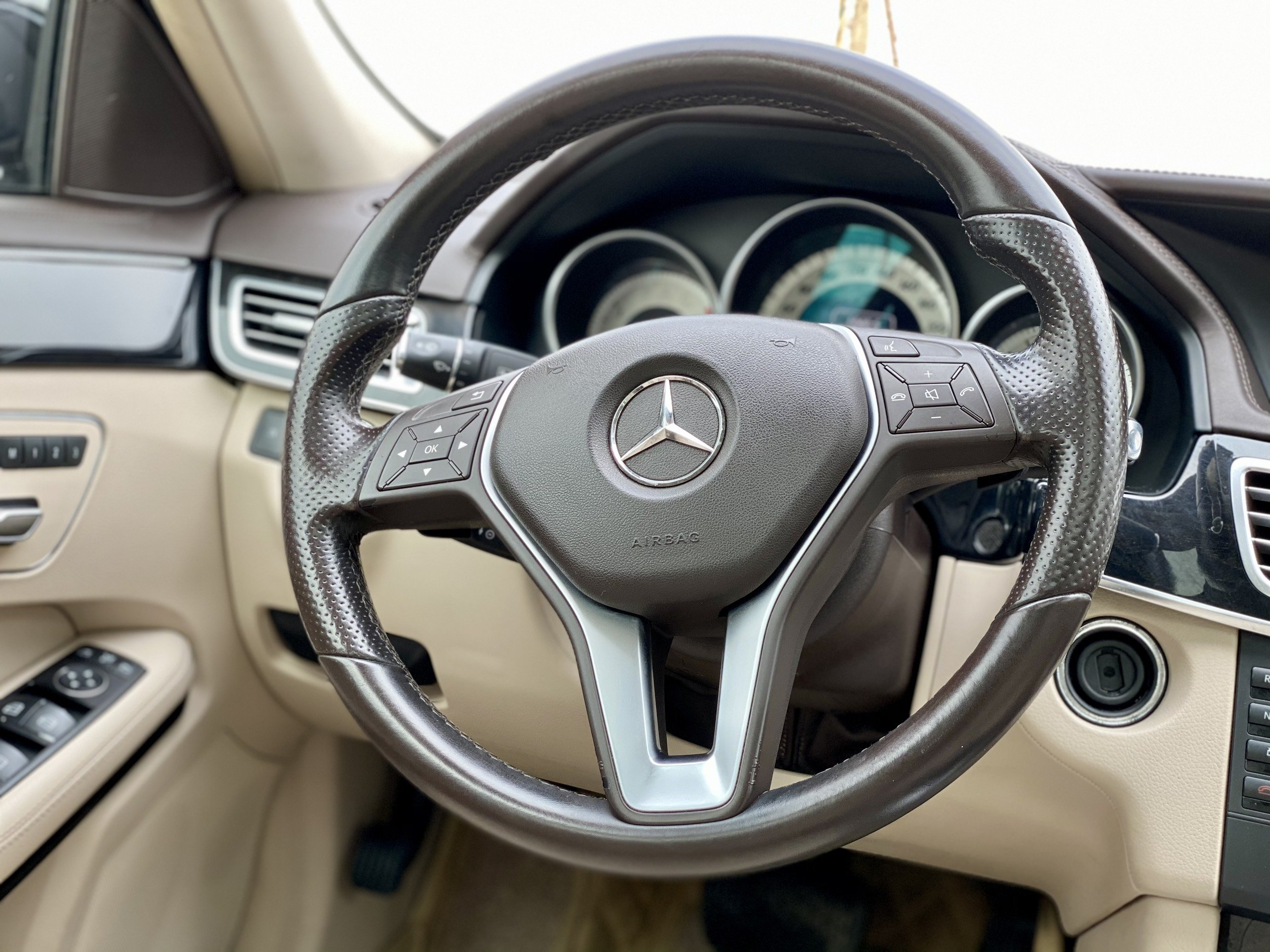 Mercedes E250 Sản Xuất 2013