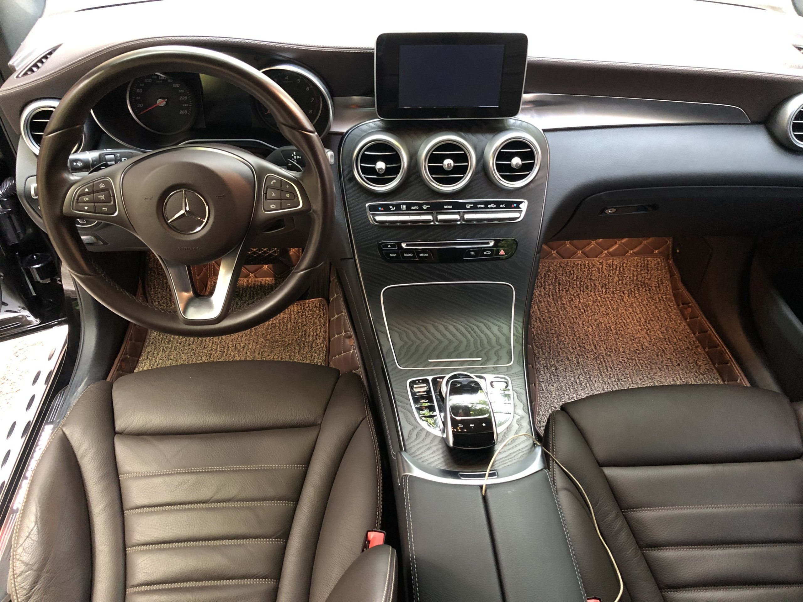 Mercedes Benz GLC300 2017