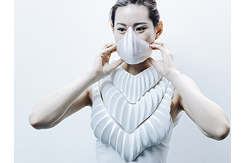 AMPHIBIO: designer develops 3D printed hydrophobic gills for humans to breathe underwater