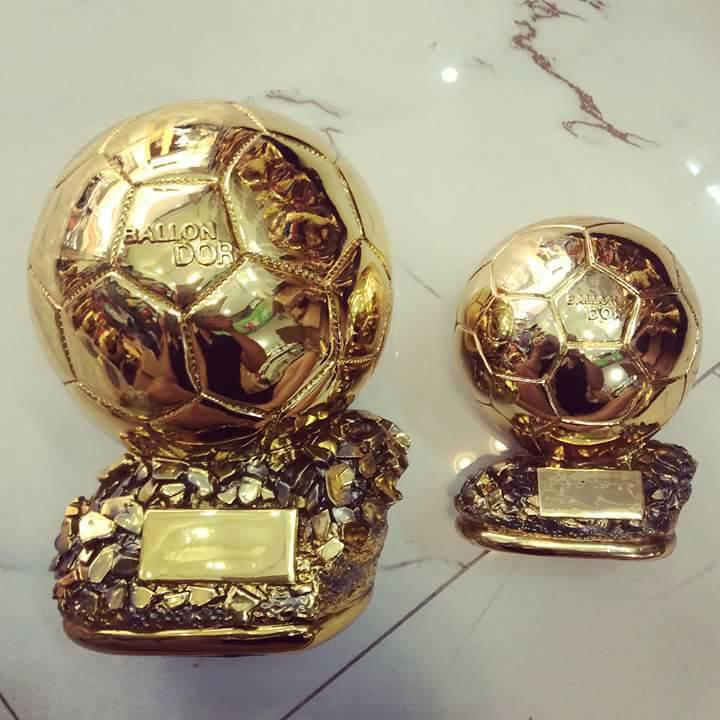quả bóng vàng