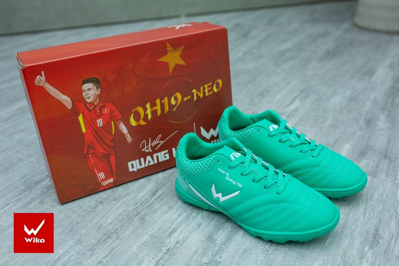 Giày bóng đá Wika Quang Hải