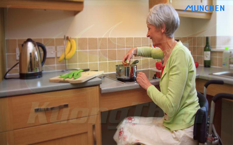 Tư vấn mua bếp từ dễ sử dụng cho người cao tuổi