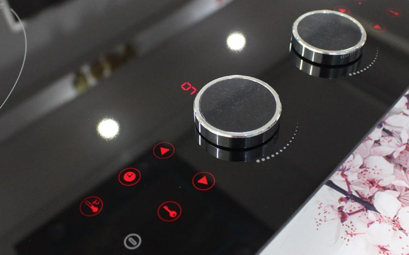 Núm điều khiển từ tính Magnetic Knob và bàn phím cảm ứng hiển thị
