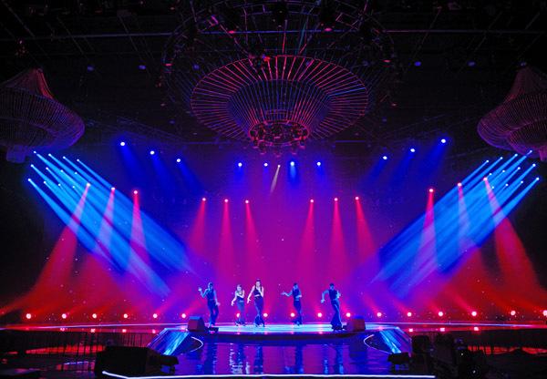 Cho thuê thiết bị ánh sáng sân khấu giá rẻ Star Music