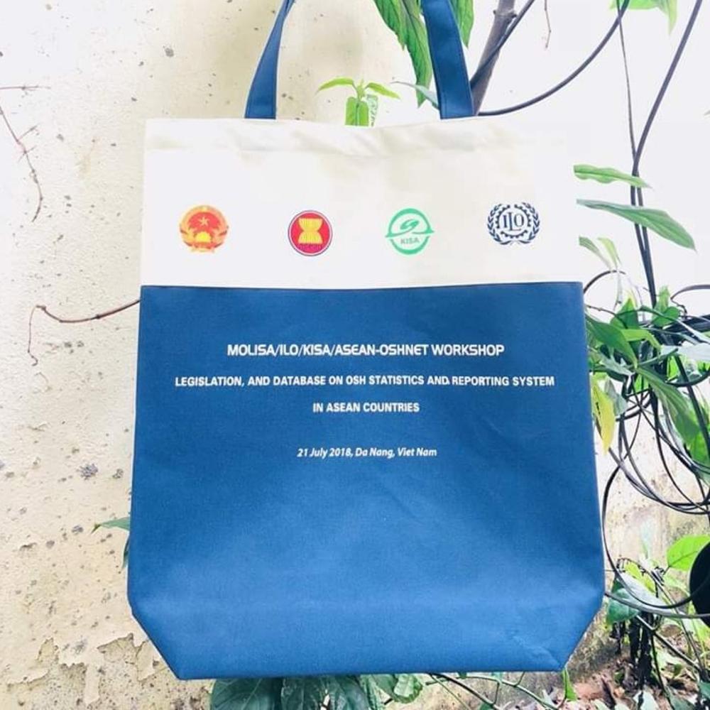 Túi xách vải bố tặng khách hàng