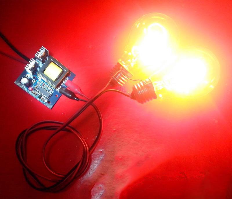 Bộ Chuyển Đổi INVERTER 12VDC-220VAC 150W
