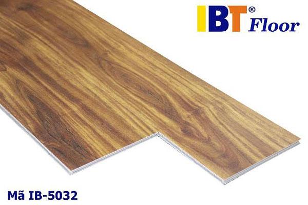Sàn Nhựa Hèm Khóa IB5032
