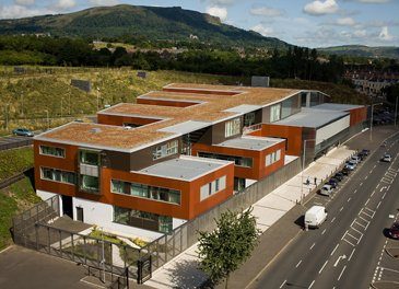 Integrated Eurozip aluminum roof with green building application