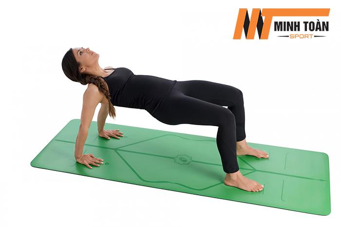bài tập yoga với Thảm Tập Yoga Liforme Mat