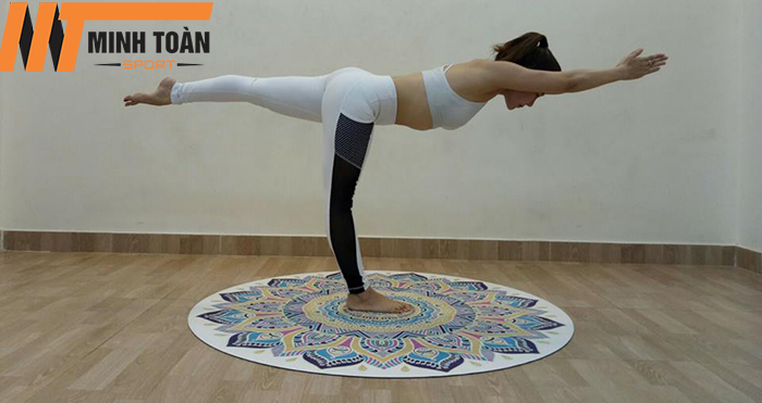 tập luyện với thảm tập yoga Padma 5D