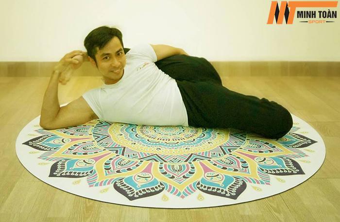 sử dụng thảm yoga hình tròn Padma 5D