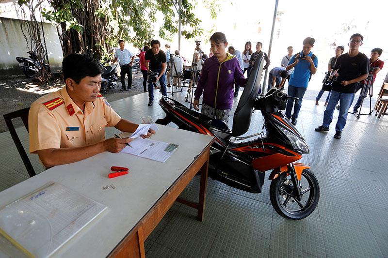 Dịch vụ sang tên đổi chủ xe máy Hà Nội