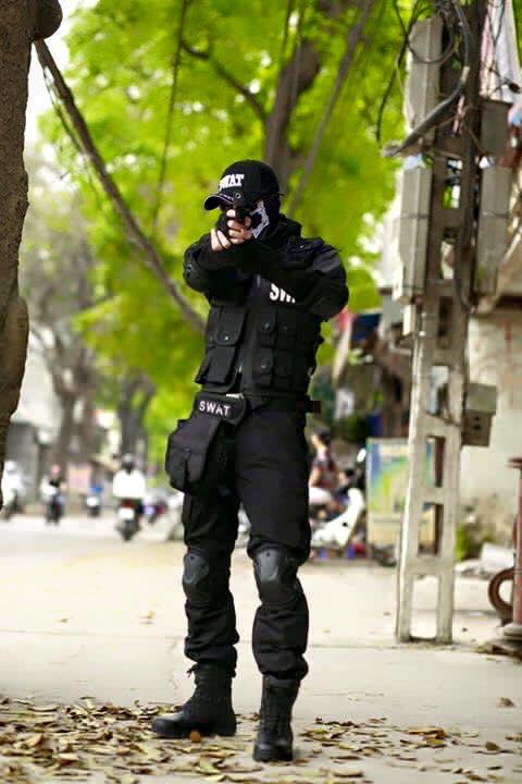Thuê áo khoác SWAT đen